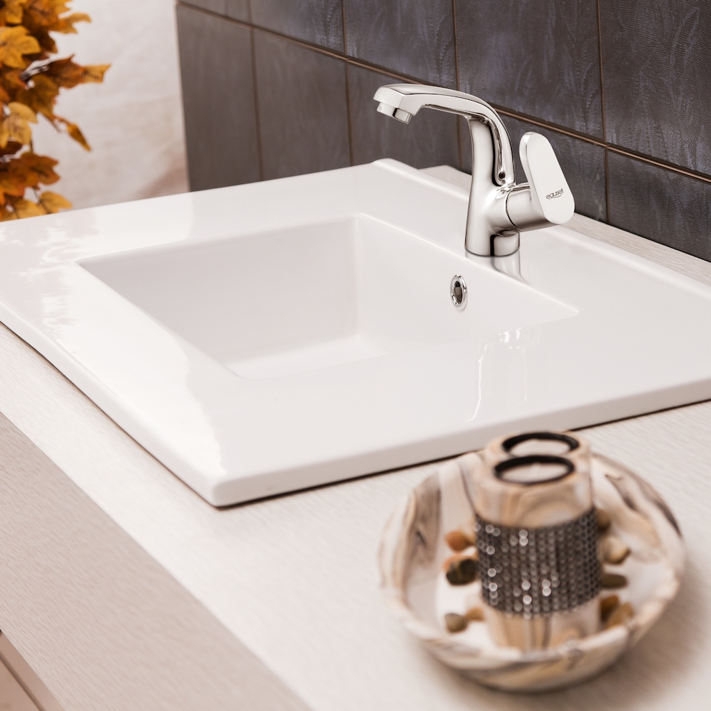 WALL HUNG  BASINS Flawlessly beautiful and amazingly clean, they our wall hung basins offer better hygiene and superior performance. Made using high quality material and 100% Scratch Proof, you would fall in love with their finishing and elegant looks.